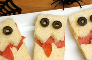 Photo Recette Mini Sandwichs Barjos D'Halloween au Saumon Fumé