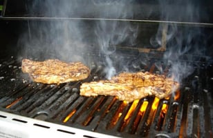 Photo Recette STEAKS BBQ JUTEUX STYLE GRAND RESTAURANT