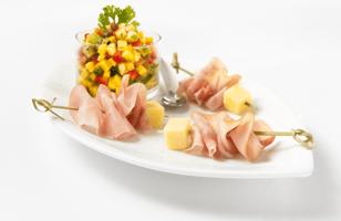 Photo Recette Mini Brochettes de Jambon et Fromage avec Salsa aux Fruits