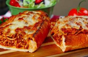 Photo Recette Top Bouffe-réconfort du Pain à L'ail Farci au Spaghetti!