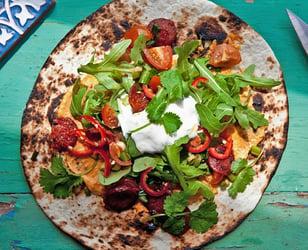 Photo Recette Tortilla Garnie de Hoummos à la Lime à la Mode du Sud-Ouest